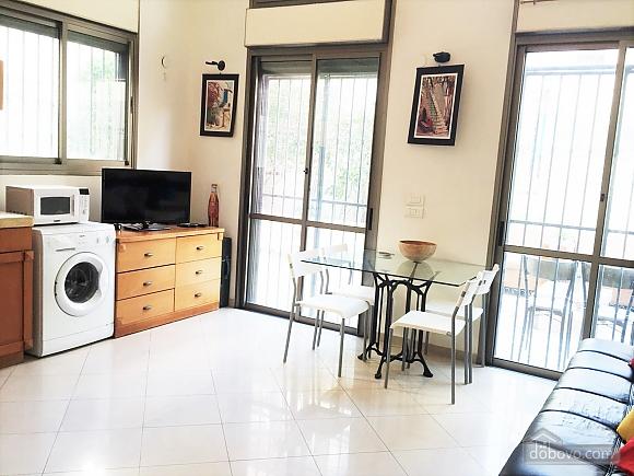 Апартаменты в Тель-Авиве с двориком, 2х-комнатная (76495), 007