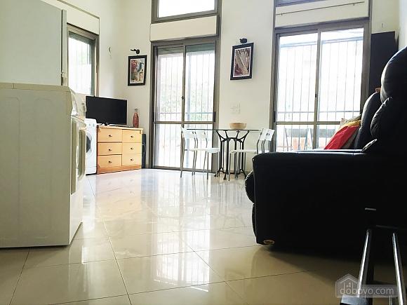 Апартаменты в Тель-Авиве с двориком, 2х-комнатная (76495), 006