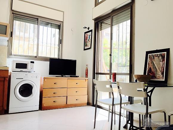 Апартаменты в Тель-Авиве с двориком, 2х-комнатная (76495), 005