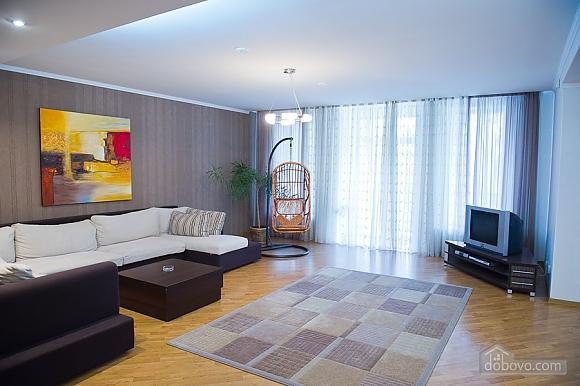 Просторные апартаменты класса люкс, 3х-комнатная (32153), 001