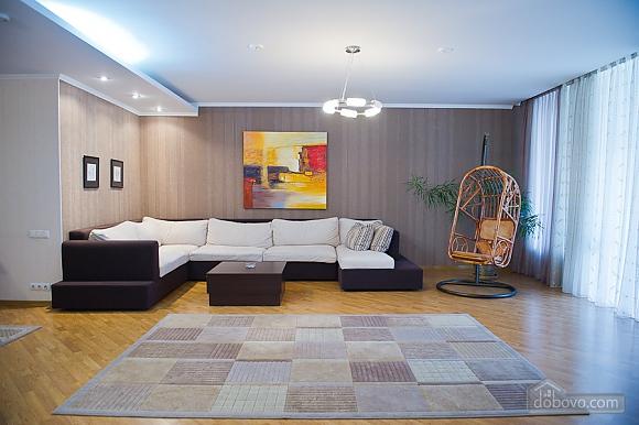 Просторные апартаменты класса люкс, 3х-комнатная (32153), 002