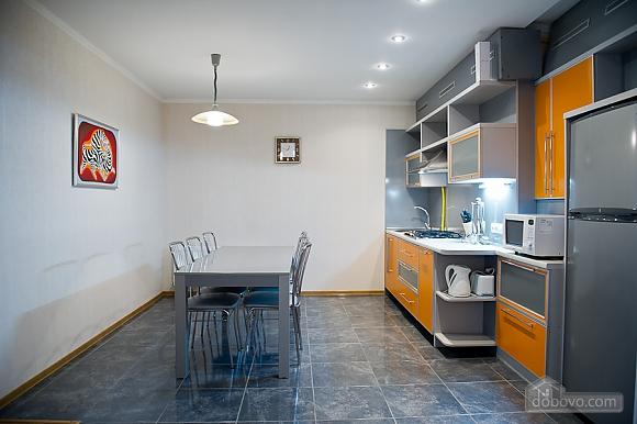 Просторные апартаменты класса люкс, 3х-комнатная (32153), 003
