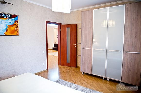 Просторные апартаменты класса люкс, 3х-комнатная (32153), 006