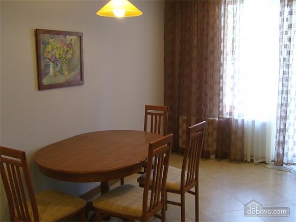 Большая просторная квартира, 3х-комнатная (41110), 005