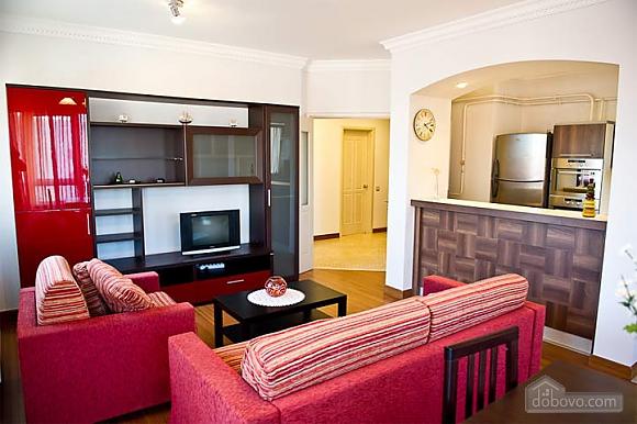 Квартира с хорошим месторасположением, 2х-комнатная (59700), 003