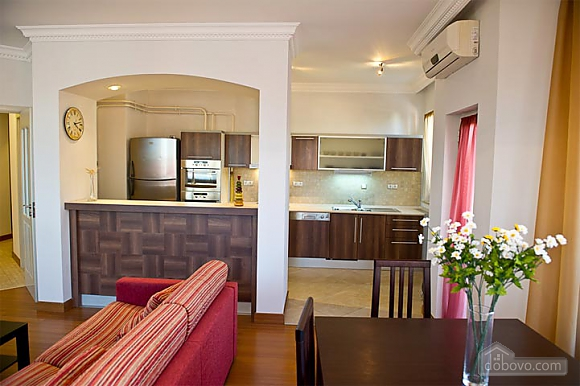 Квартира с хорошим месторасположением, 2х-комнатная (59700), 004