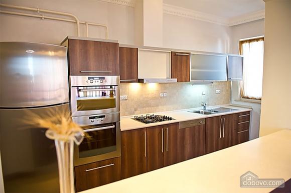 Квартира с хорошим месторасположением, 2х-комнатная (59700), 005