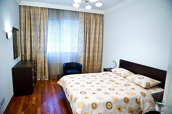 Квартира с хорошим месторасположением, 2х-комнатная (59700), 006