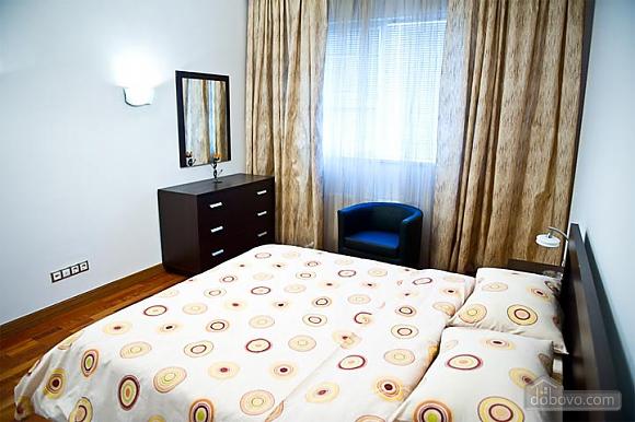 Квартира с хорошим месторасположением, 2х-комнатная (59700), 007