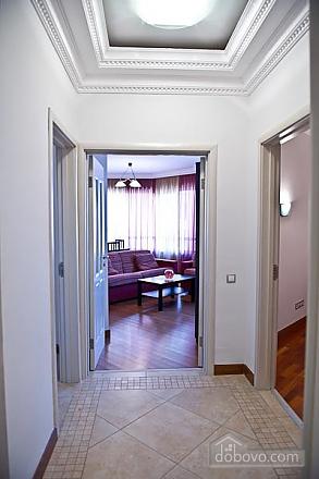 Квартира с хорошим месторасположением, 2х-комнатная (59700), 009