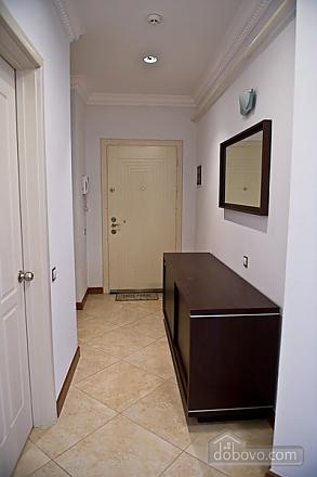 Квартира с хорошим месторасположением, 2х-комнатная (59700), 010