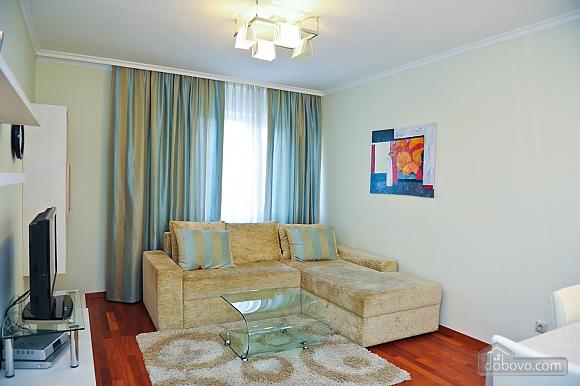 Апартаменти в центрі столиці, 3-кімнатна (35925), 002
