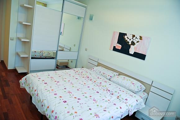 Апартаменти в центрі столиці, 3-кімнатна (35925), 005