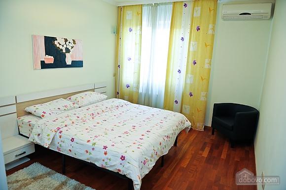 Апартаменти в центрі столиці, 3-кімнатна (35925), 006