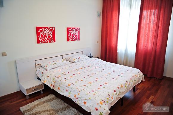 Апартаменти в центрі столиці, 3-кімнатна (35925), 007