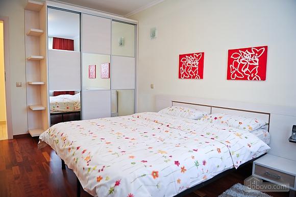 Апартаменти в центрі столиці, 3-кімнатна (35925), 008