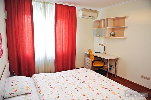 Апартаменти в центрі столиці, 3-кімнатна (35925), 009