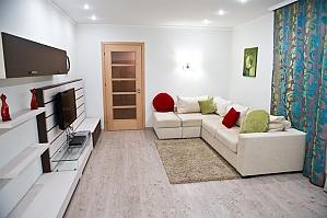 Апартаменты в двух шагах от центра, 2х-комнатная, 003