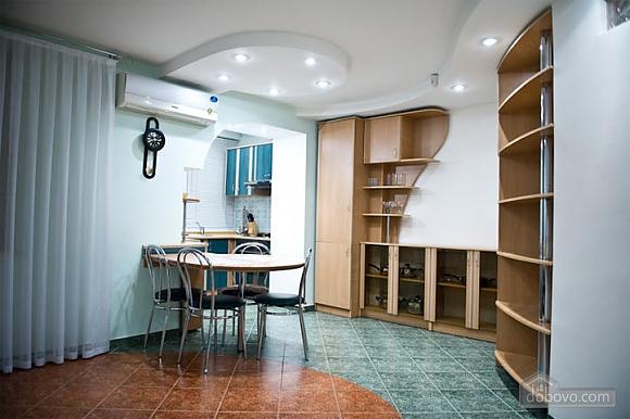 Невелика квартира біля Держуніверситету, 2-кімнатна (54001), 004