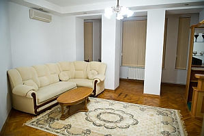 Low cost apartment on the main street, Dreizimmerwohnung, 002