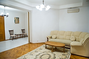 Low cost apartment on the main street, Due Camere, 003