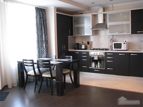 Апартаменты в жилом комплексе De Luxe, 3х-комнатная (80078), 002