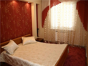 Apartment near Central Department Store, One Bedroom, 001