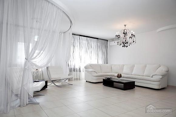 Елітна квартира, 3-кімнатна (79827), 001