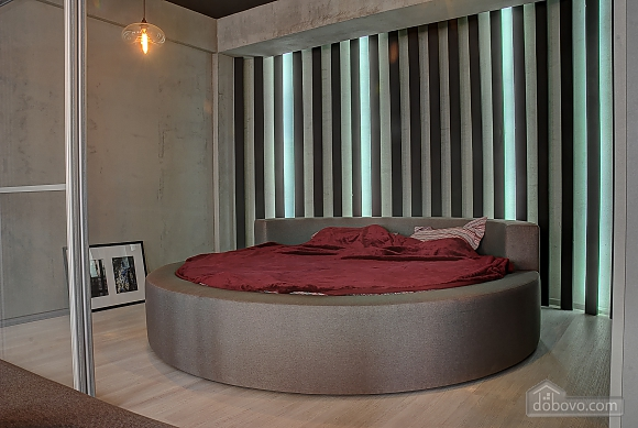 Apartment with a round bed, Monolocale (84234), 001