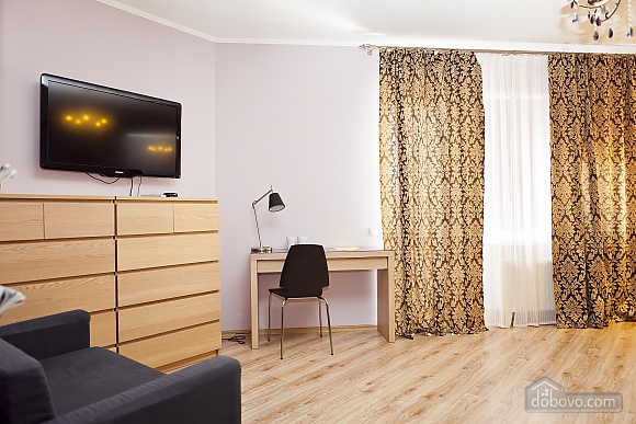 Затишна квартира в центрі, 1-кімнатна (65857), 002