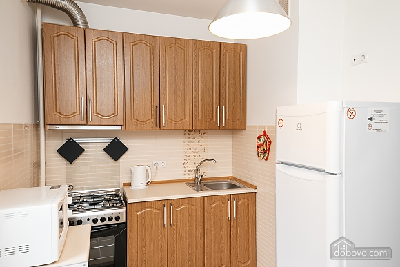 Затишна квартира в центрі, 1-кімнатна (65857), 011