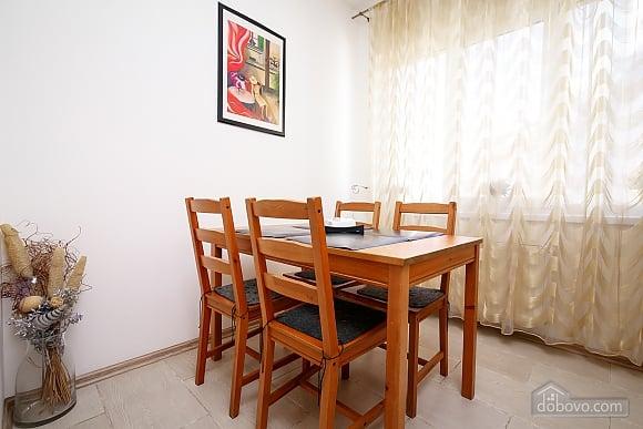 Затишна квартира в центрі, 1-кімнатна (65857), 013