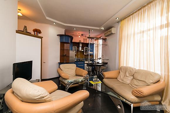 Элитная квартира с джакузи, 2х-комнатная (52570), 006