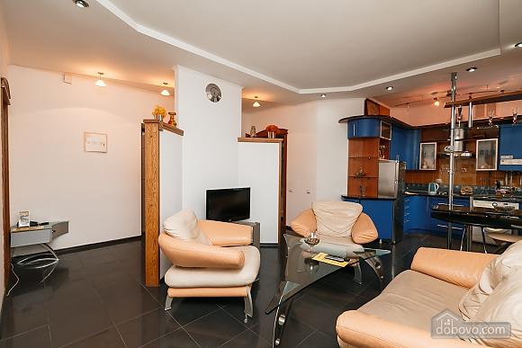 Элитная квартира с джакузи, 2х-комнатная (52570), 007