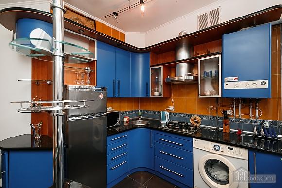 Элитная квартира с джакузи, 2х-комнатная (52570), 009