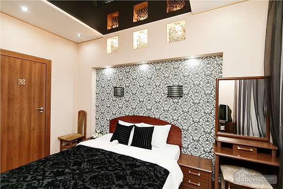 Luxurious apartment in the center, Two Bedroom (56688), 010