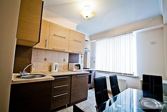 Квартира в центре города, 1-комнатная (21616), 002