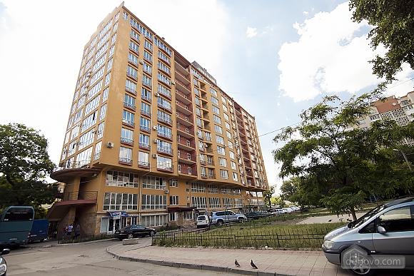 Апартаменты в центре, 3х-комнатная (70874), 014