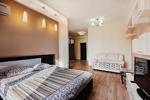Квартира в самом центре Кишинева, 1-комнатная, 003