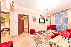 Квартира посуточно в самом центре Кишинева, 3х-комнатная, 004