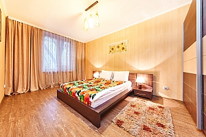 Квартира посуточно в самом центре Кишинева, 3х-комнатная, 001