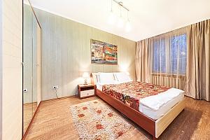 Квартира посуточно в самом центре Кишинева, 3х-комнатная, 002