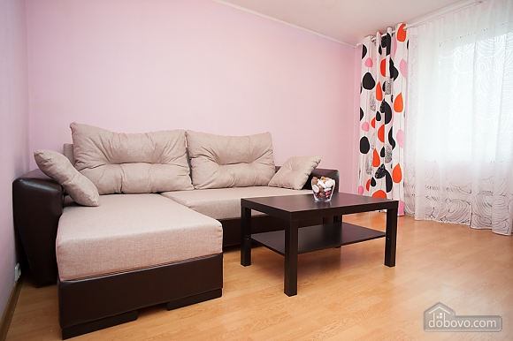 Apartment next to metro Nakhimovsky Prospect, One Bedroom (62310), 005