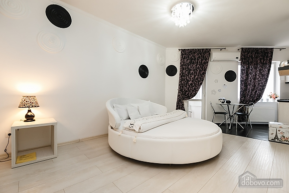 Luxury apartment with a round bed and Jacuzzi, Monolocale (61079), 005