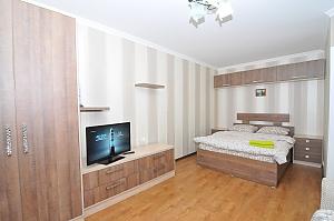 Светлая и уютная квартира в центре, 1-комнатная, 001