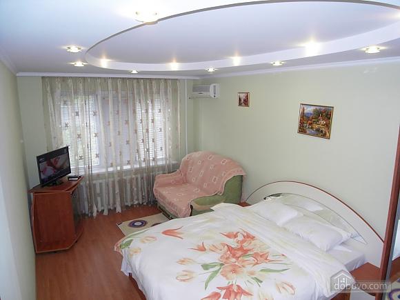 Нова сучасна квартира з усім необхідним, 1-кімнатна (72320), 002