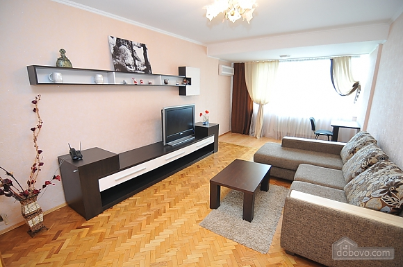 Хороша квартира в центрі, 2-кімнатна (82724), 001