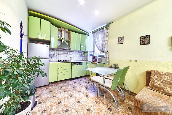 Bright apartment, Two Bedroom (73372), 002