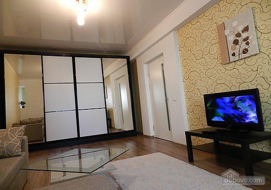 Розкішна квартира в самому центрі, 1-кімнатна (94239), 002