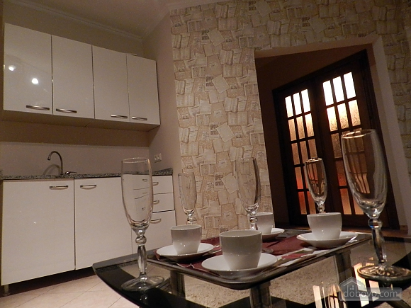 Suite in apart-hotel with common toilet and kitchen, Monolocale (77273), 006
